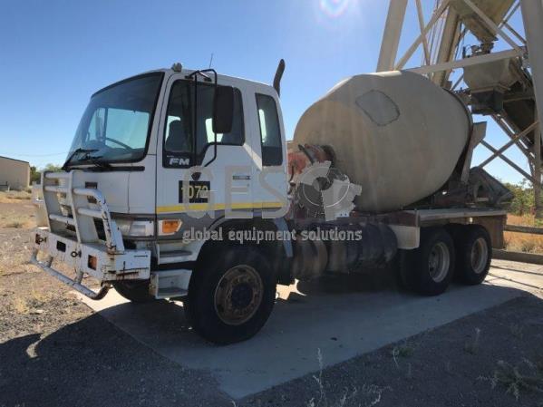 1999 Hino FM1J Concrete Agitator Truck
