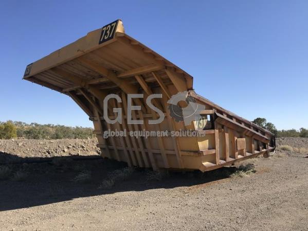 Custom Tray 630E Dump Truck 737