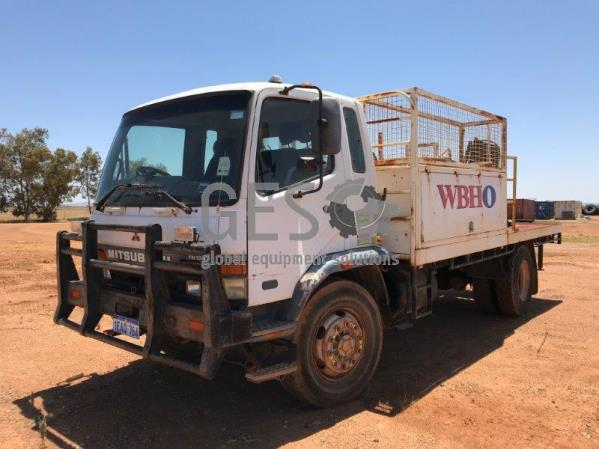 2000 Mitsubishi FM658HV Tray Back Maintenance Truck KCC042