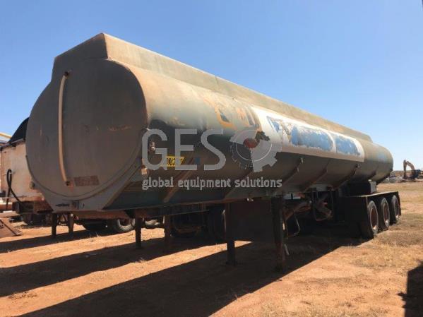 Custom Water Tanker Tri Axle ~ 20 KL WC82