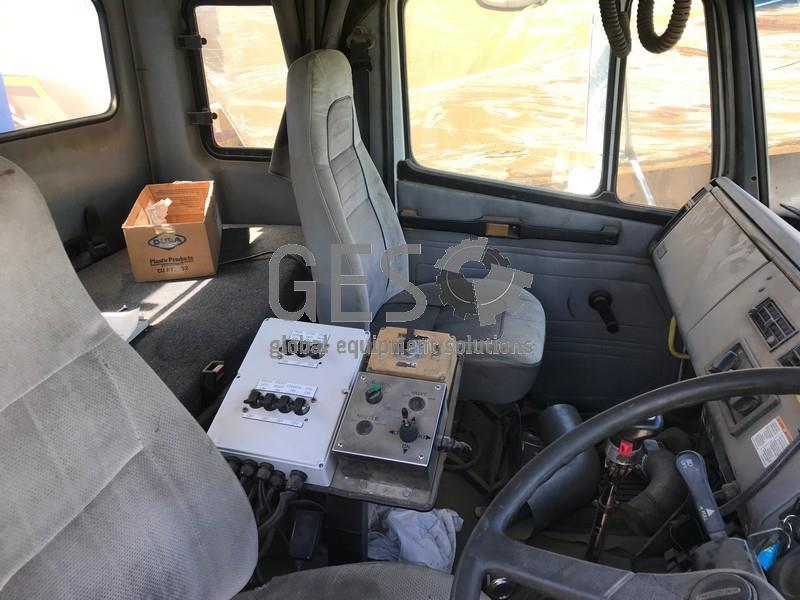 1996 Freightliner FL112 Water Cart NON Running image 8