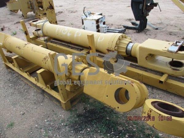 Caterpillar Stick Cylinder to suit 5130B x 2
