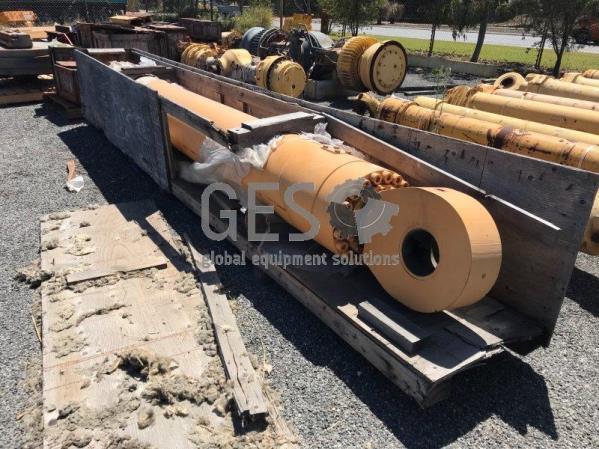 Komatsu Boom Cylinder B/H to suit H285 part no 65040040