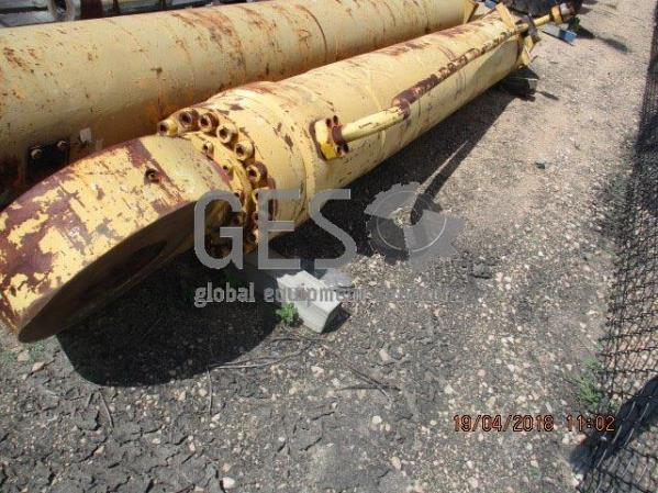 Komatsu Boom Cylinder to suit PC3000 part no 91787540