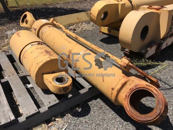 Komatsu Boom Cylinder to suit WA700 part no 707-01-01020