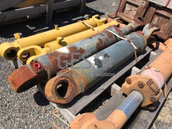 Komatsu Lift Cylinder to suit WA380-5H part no 423-63-H2120