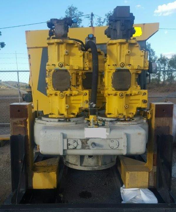 2007 Komatsu L&S Pump Drive PTO & Pumps