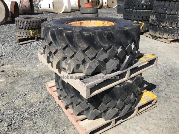 Aeolus 445/65R22.5 on rims x 2 Pallet T8.