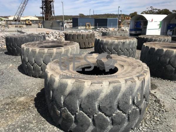 Bridgestone 35/65R33 x 7 Pallet T15.