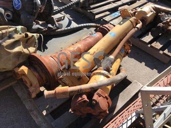 UNRESERVED Caterpillar Pallet of 992C parts including Drive Shafts