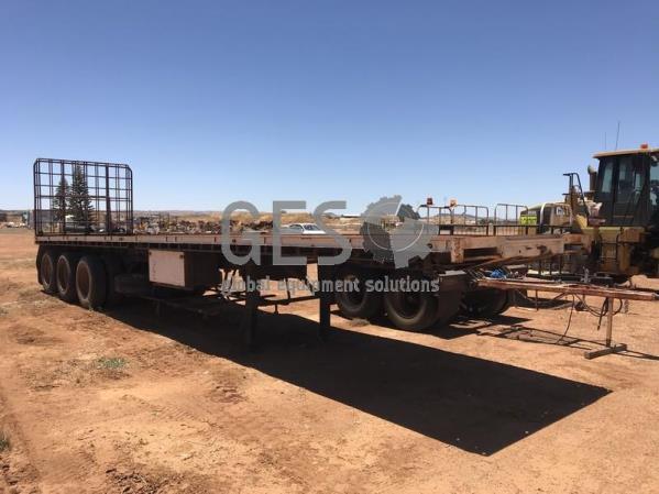 Boomerang 40 ft Tri Axle Flat Top