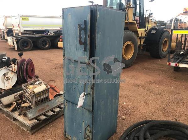 Steel tool lock box Item ID: 3515