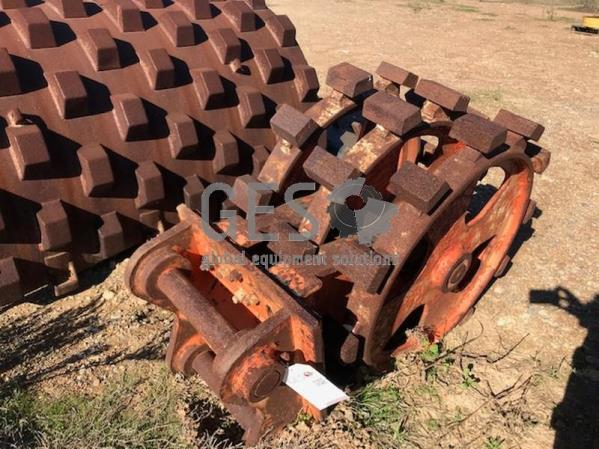 ~600 mm Pad Foot Trench Roller Excavator Attachment Item ID: 3570