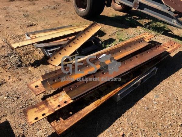 Unreserved Grader Blade Edges x 2 pallets Item ID 3579