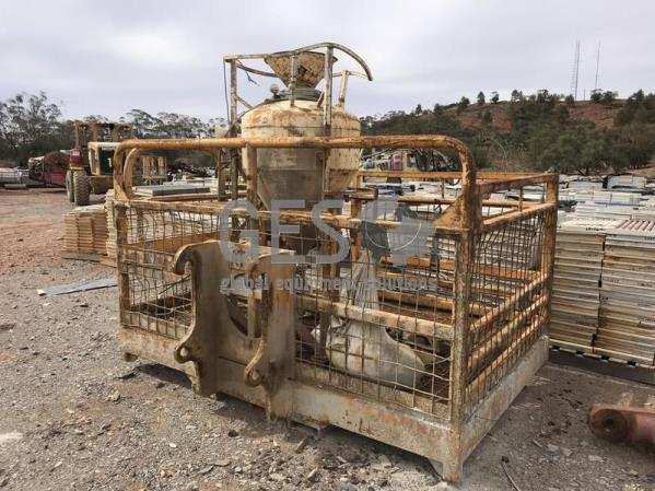 Giles Engineering ANFO Charge Up Work Basket to suit Caterpillar IT 100-AT-013