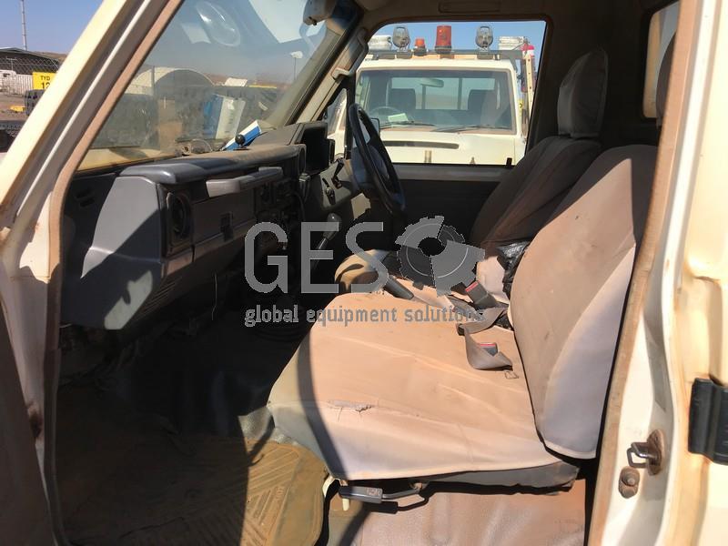 2008 Toyota VDJ79R Landcruiser V8 Tray Back LV862 image 9