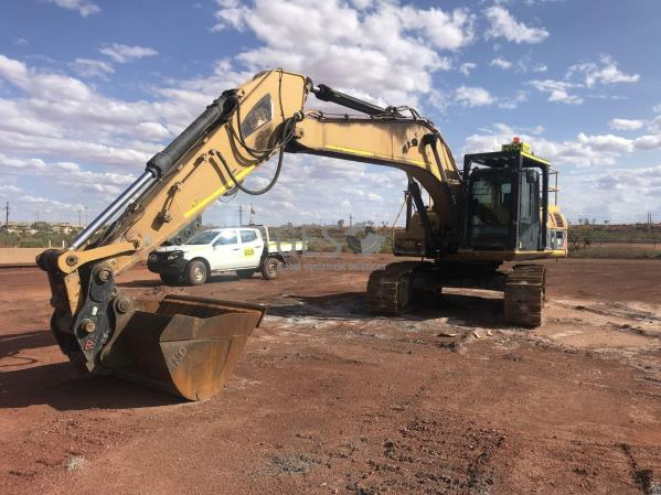 Caterpillar 329D Excavator EX017