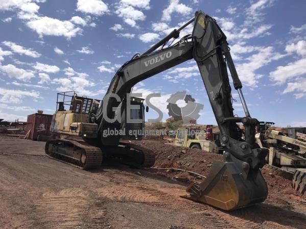 Volvo EC240CL Excavator EX009