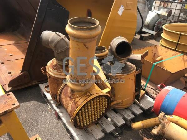 Pallet of parts including Air Intake Filter Housing - Un reserved