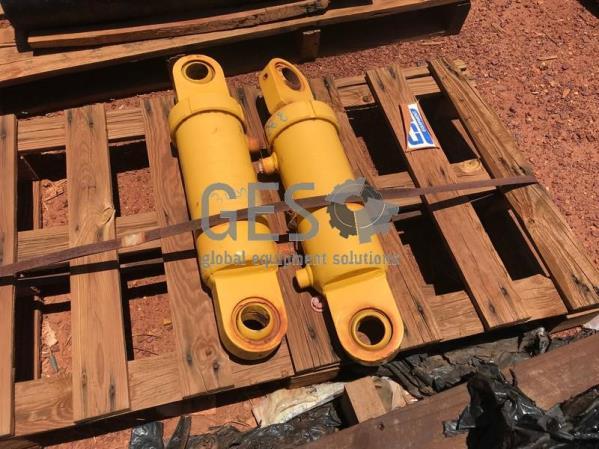 Volvo Cylinder NEW Part V12744453 x 2