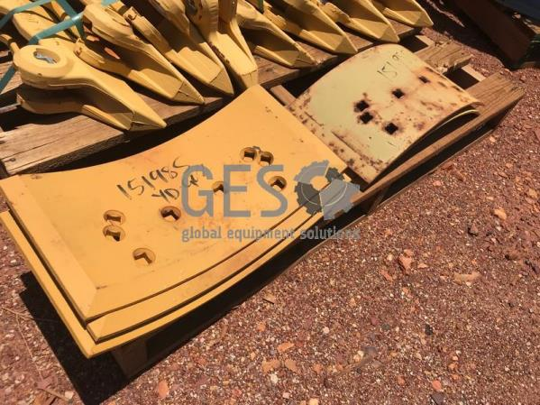 Caterpillar Pallet Side Bars NEW x 8 Mould Board Overlays NEW x 5