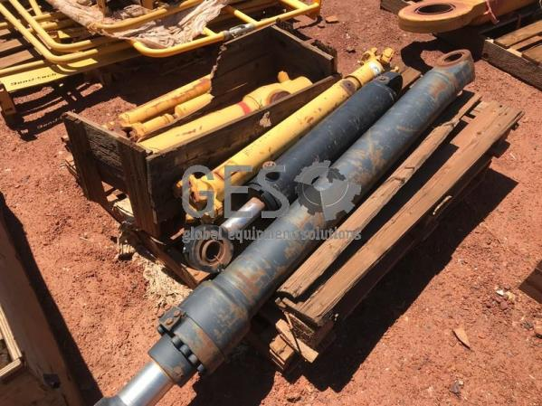 Caterpillar Cylinder Dump & Steer Running Take Out to suit 740 x 2