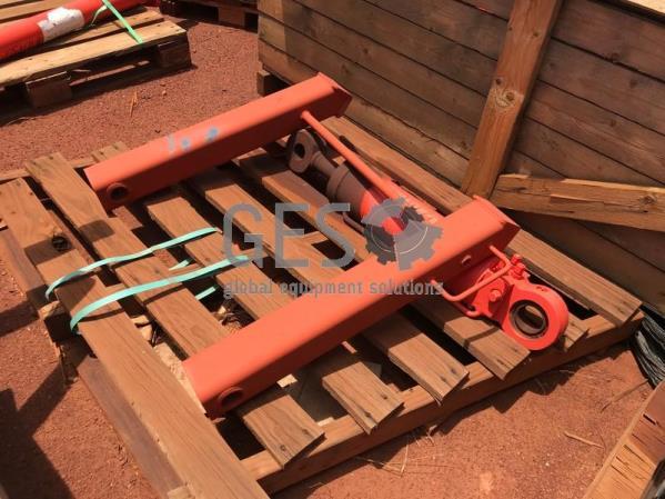 Sandvik Pallet With Cylinder Steering & Canopy Post