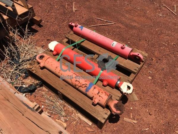 Sandvik Cylinder Steering Axera As Is x 3 on Pallet