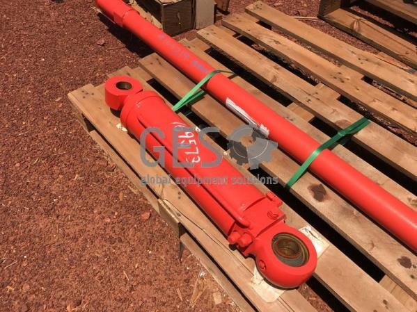 Sandvik Cylinder TB60 Extension NEW to suit 8/12 Split Feed