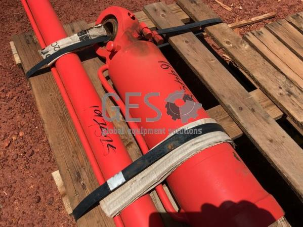 Sandvik Cylinder TB60 Tilt As Is to suit DD421