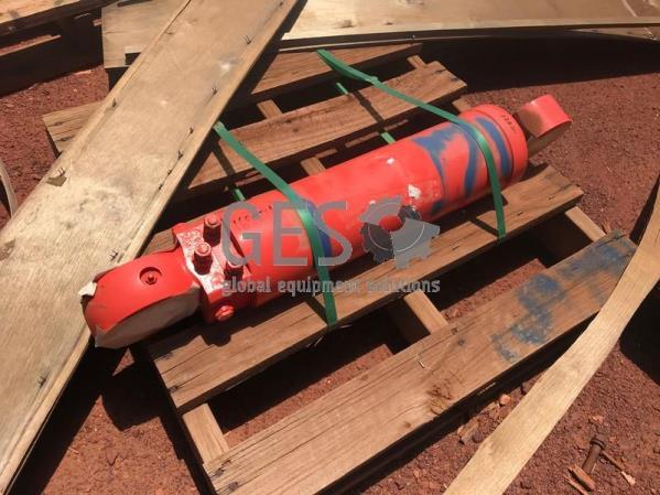 Sandvik Cylinder TB60 Tilt to suit DD421 Part 35256775