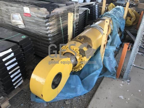 Komatsu PC2000 Boom Cylinder refurbished in transport frame