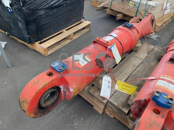 Cylinder to suit Caterpillar 6060 or Bucyrus 495HD Shovel Clam Shell Bucket Used