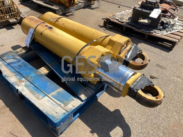 Caterpillar 773G 773F Cylinders USED x 2