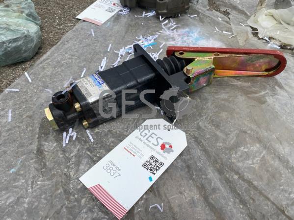 Komatsu HD465-7R Emergency Brake Valve NEW Part No 569-43-83121