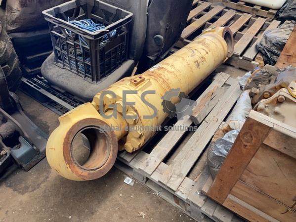 Komatsu Tilt Cylinder to suit WA600-6 Un Used