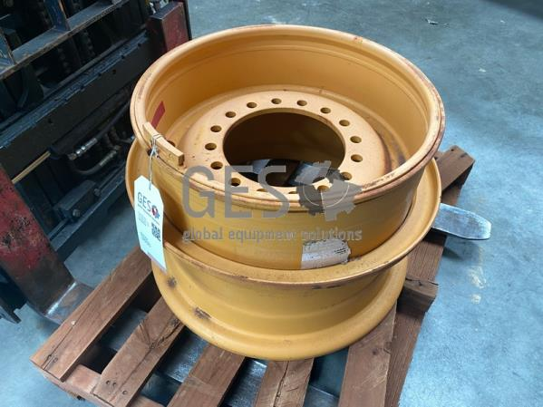 Topy 14.00 Rim As Is to suit Volvo L120