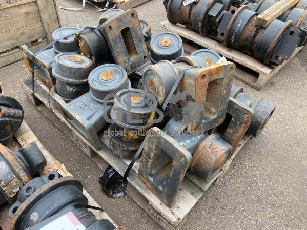 Komatsu Carrier Rollers x 12 to suit . Part 209-30-00300 ItemID_3925