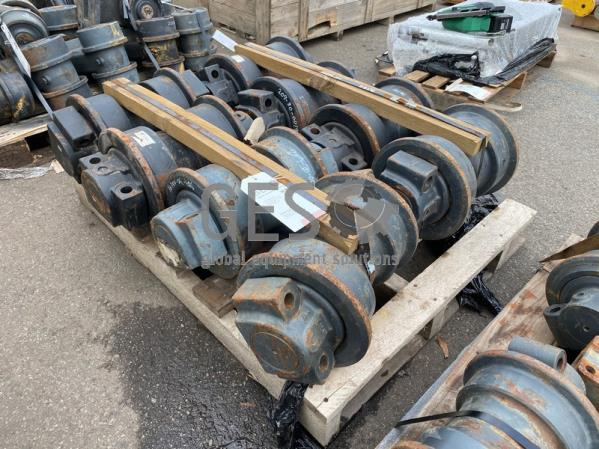 Komatsu Track Rollers x 8 to suit .. Part 209-30-00191 ItemID_3926
