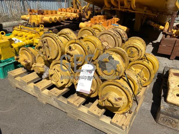 Komatsu Track Rollers x 16 Part 14X-30-00096 ItemID_4100