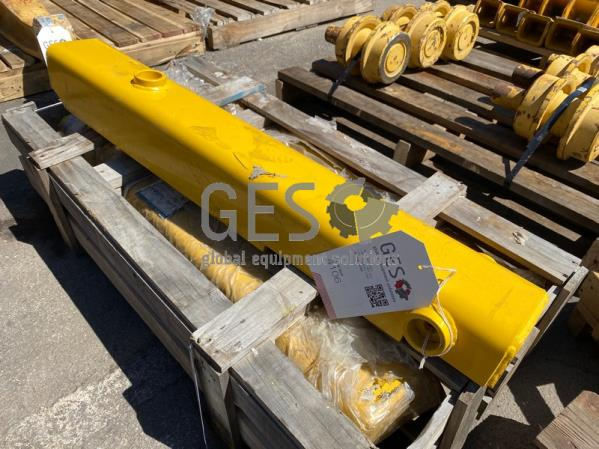 Komatsu Cylinder Guard Cover Part 154-71-71720 ItemID_4106
