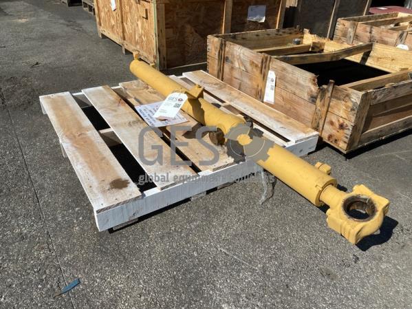 Komatsu Cylinder Blade lift to suit D85EX-15R Part 707-02-00311 ItemID_4284