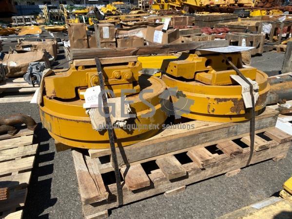 Komatsu Idler Assembly to suit D85EX-15R x 2 Part 154-30-01011, 154-30-01010 ItemID_4346