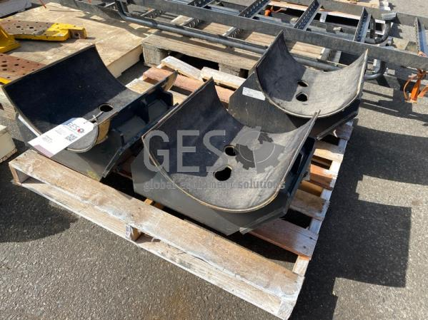 Komatsu Brackets Air Intake and Exhaust System x 3 to suit D375A-6R Part 6245-11-4821 ItemID_4617