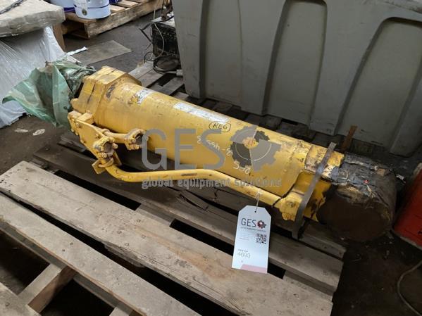 Komatsu Ripper Tilt Cylinder to suit D375-5, D375-5EO