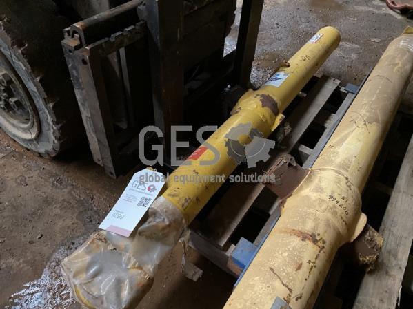Komatsu Cylinder Blade Lift to suit D155-3, D155-5 REMAN