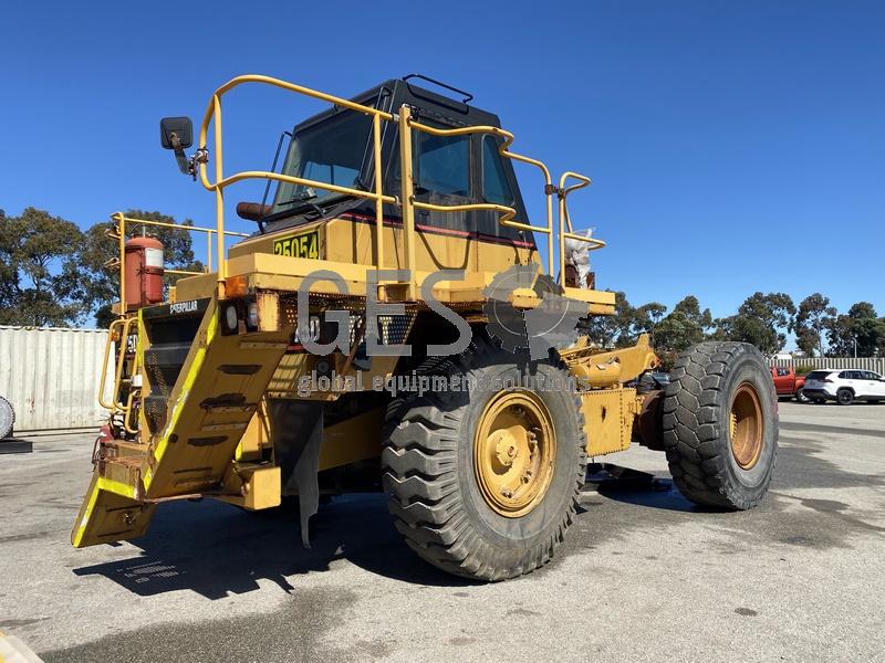 1997 Caterpillar 775D Dump Truck no Tray image 1