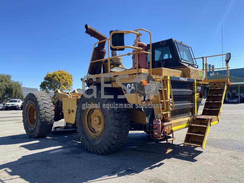 1997 Caterpillar 775D Dump Truck no Tray image 2