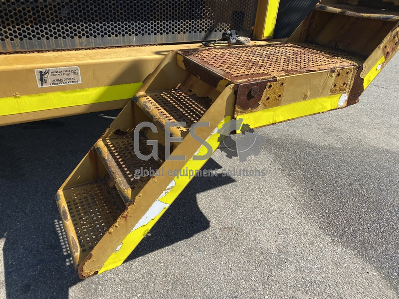 1997 Caterpillar 775D Dump Truck no Tray image 6