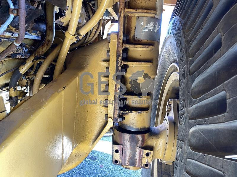 1997 Caterpillar 775D Dump Truck no Tray image 11